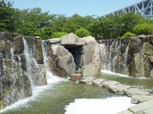 滝 公園内