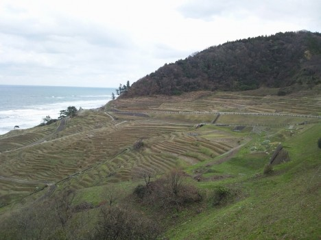 能登半島の旅-1 【能登半島編】車で海岸も走れるんですね。白米の千枚田は素敵です(^^♪