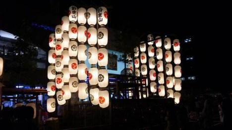 今日から祇園祭は宵々々山、宵々山、宵山、そして山鉾巡航が始まるわけですが車で行かれる場合の駐車場は?